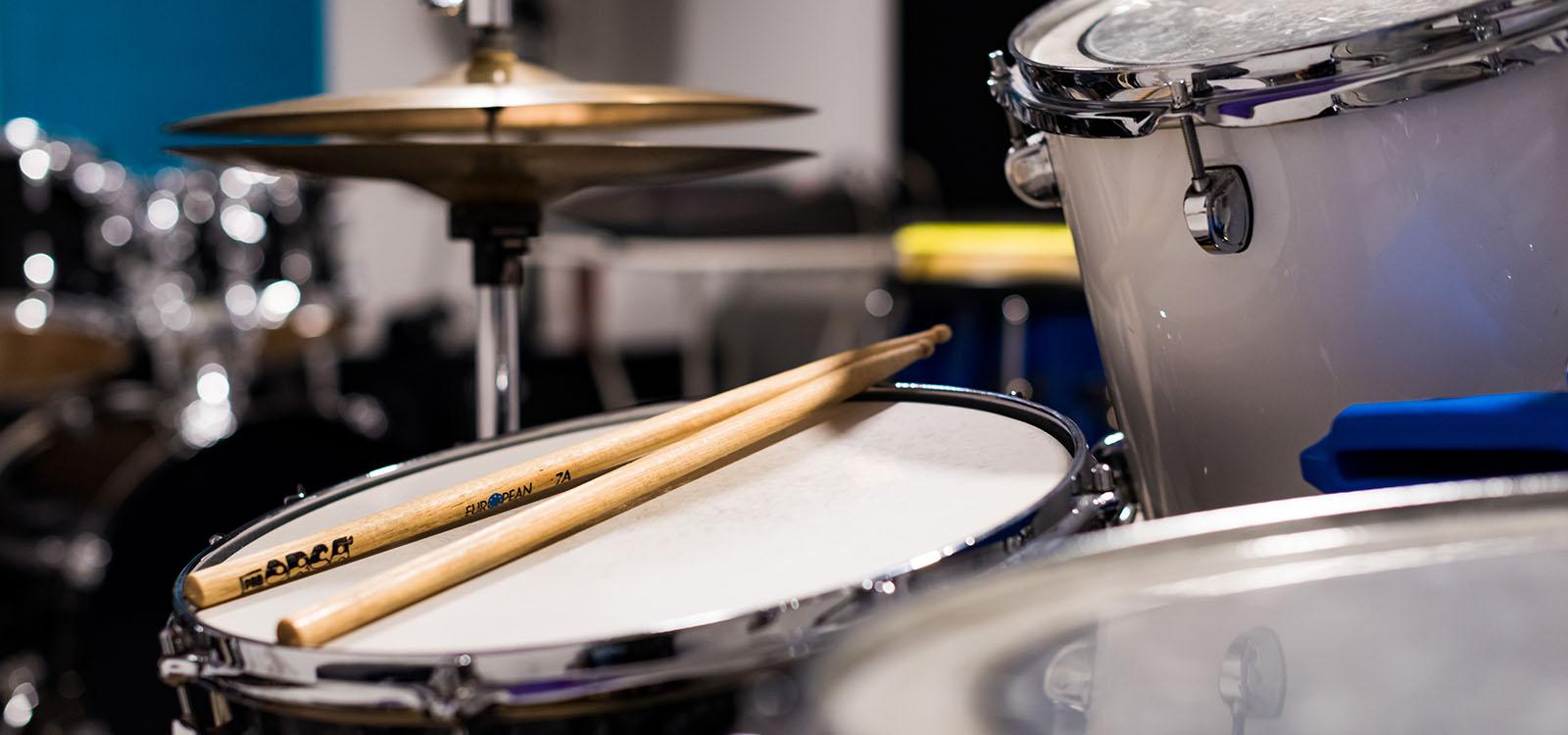 BPM Music - Cours de batterie et percussions dans le Chablais